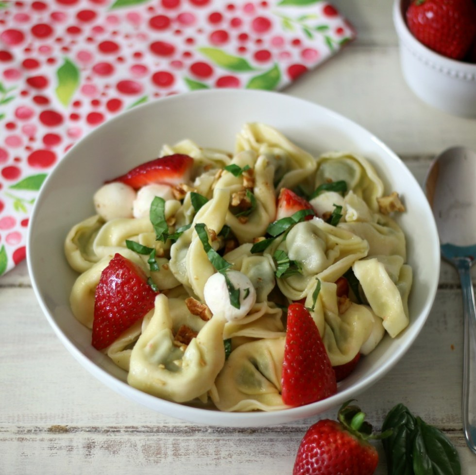 Strawberry Basil Pasta Salad #SundaySupper #ChooeseDreams
