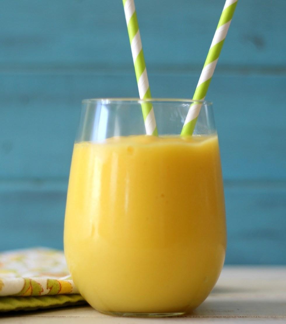 Mango, Pineapple and Aloe Smoothie