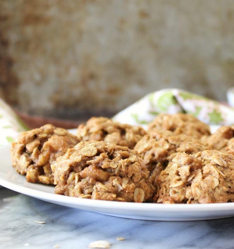 Cinnamon & Pear Oatmeal Cookies