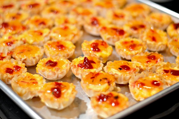 pimento cheese and pepper jelly phyllo cups