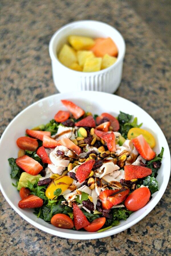 Salad with fresh strawberries