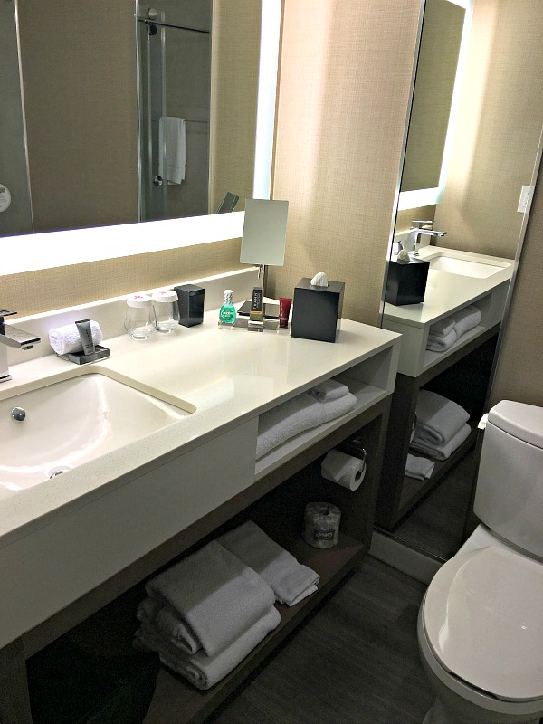 Charlotte Marriott City Center Bathroom