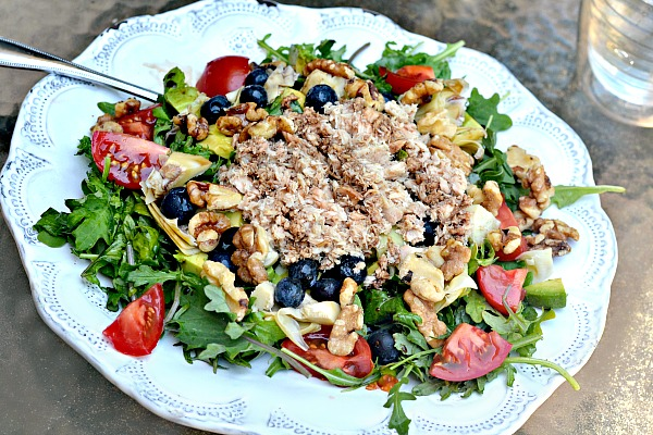 Salad with canned pink salmon