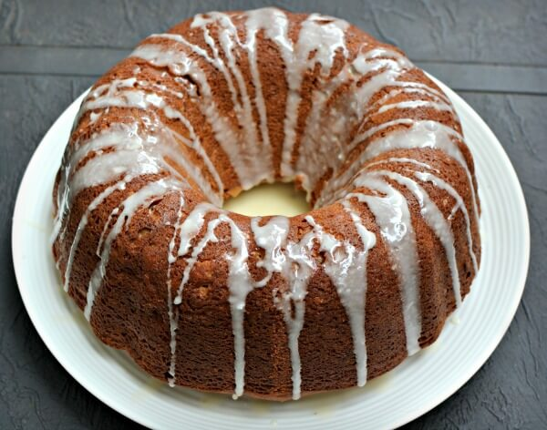 maple apple spice bundt cake