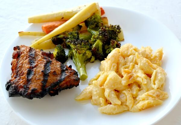 Grilled chicken thighs, roasted veggies and homemade mac and cheese.