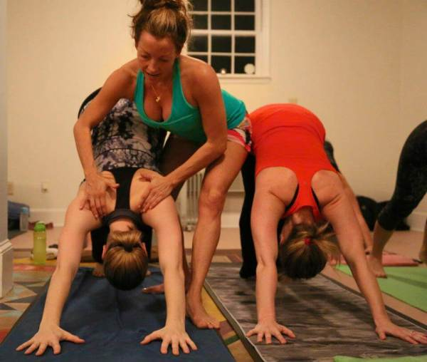 What is a 200-hour yoga teacher training program?