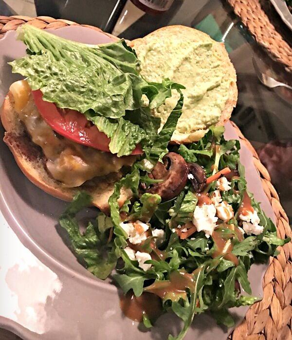 burgers with avocado sauce