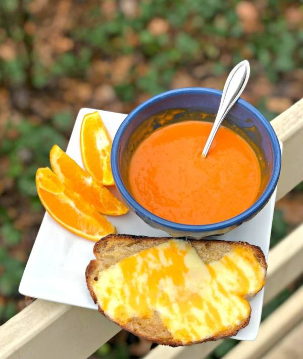 tomato roasted red pepper soup with cheese toast