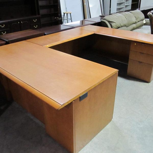 USED MAPLE COLOR RH USHAPE DESK  Pearce Office Furniture