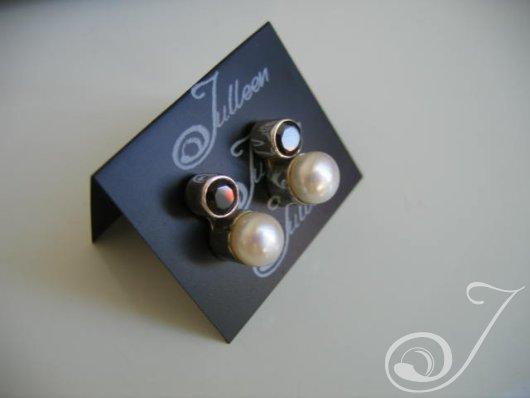 Laura Garnet Earrings