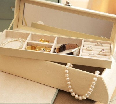 how to store pearls