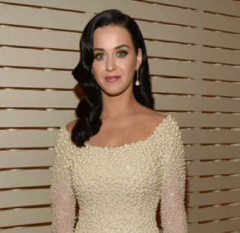 vintage pearl earrings on katy perry