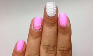 Pink-pearl-nails