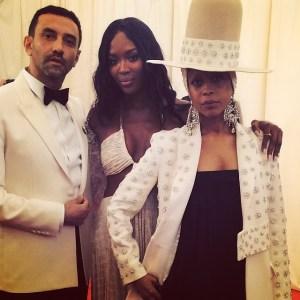 Riccardo-Tisci-Givenchy-Met-Ball-Gala-2014-Naomi-Campbell-erykah-badu