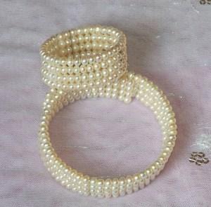 pearl-choker-401992_1280