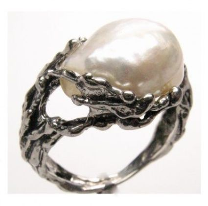 wedding pearl ring with asymmetric gemstone