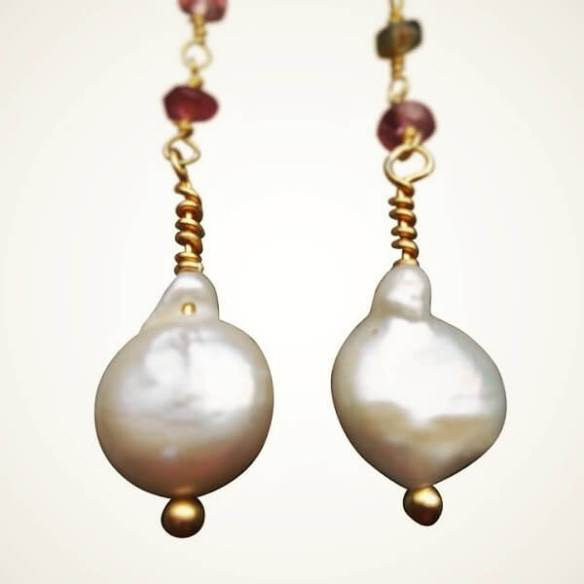egg pearl earrings