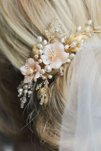 wedding hair pearl accessories