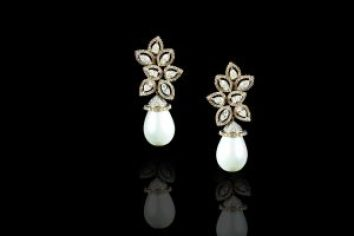 shape of cultured pearls