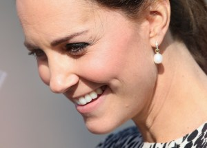 duchess of cambridge wearing pearl earrings with diamonds