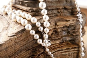 ways to tell if pearls are fake