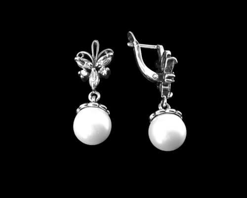 white pearl stud earrings with diamonds