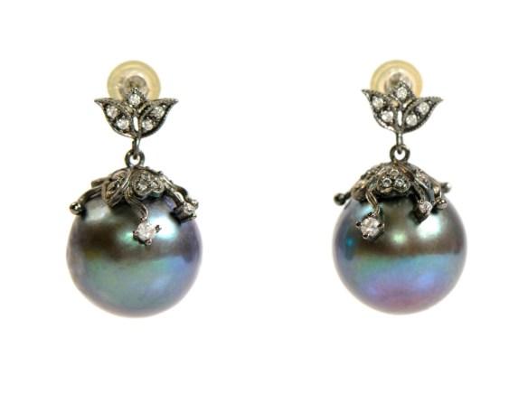 black pearl earrings