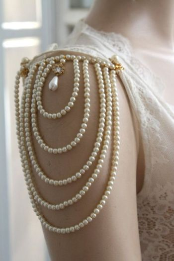 pearl shoulder accessory