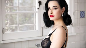 dita von teese wearing pearls