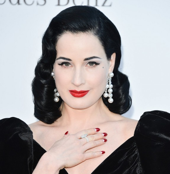CELEBRITY PEARL FASHION: Dita Von Teese in Dangling Pearl