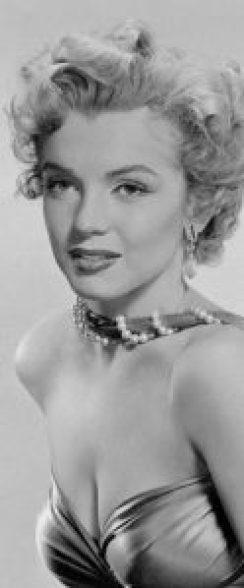 Wie Perlen wie Marilyn Monroe tragen