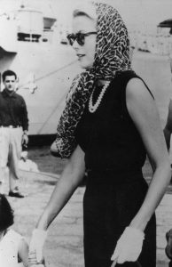 grace kelly wearing double strand pearl necklace