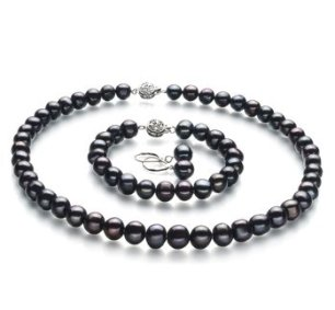 black pearls - black accessories