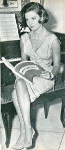 Altes Hollywood-Vintage-Glam mit Perlen