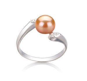 Rosafarbener Perlenring mit Diamanten
