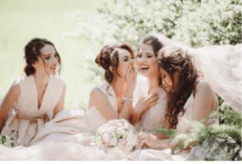 Braut mit Brautjungfern Bild