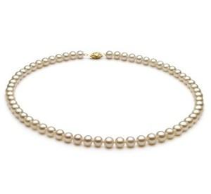 audrey hepburn pearl necklace