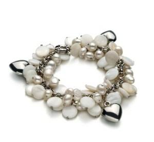coordinate a pearl bracelet