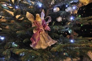 christmas tree ornament angel