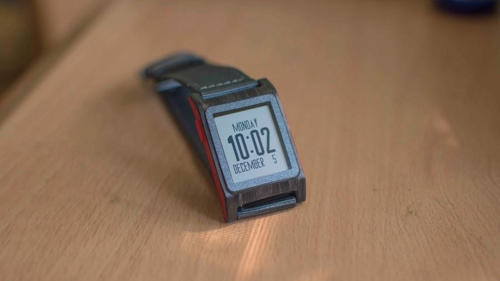 The best Pebble 2 Watchfaces - Blue Futuristic