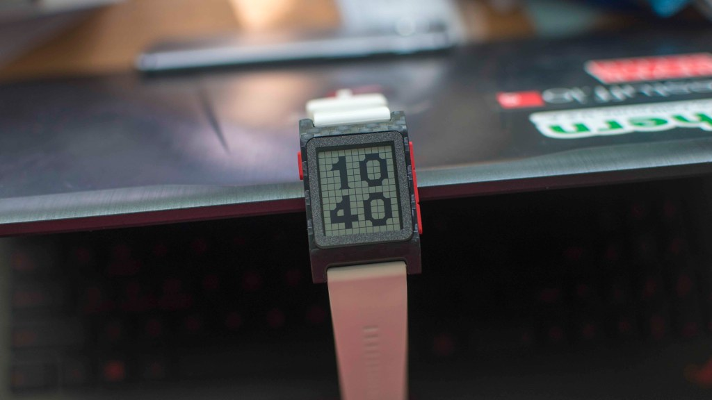 The best Pebble 2 Watchfaces - Disarray