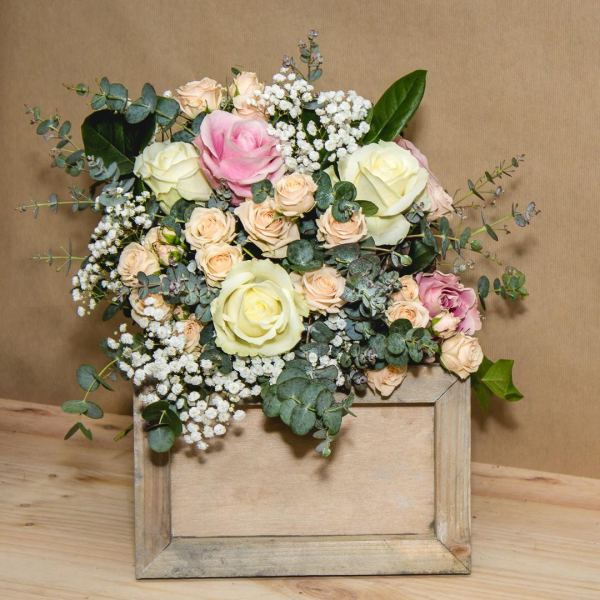 ramo-rosas-variadas-cuadrado