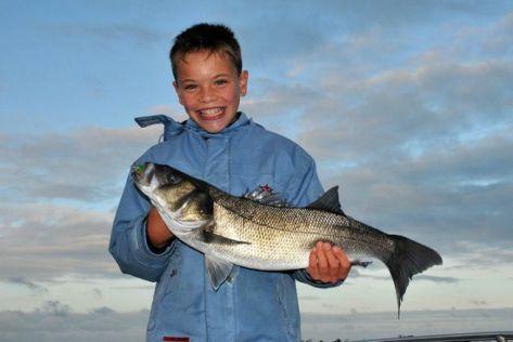 Le jeune Maxime a été récompensé pour avoir mis le réveil très tôt pendant les vacances.