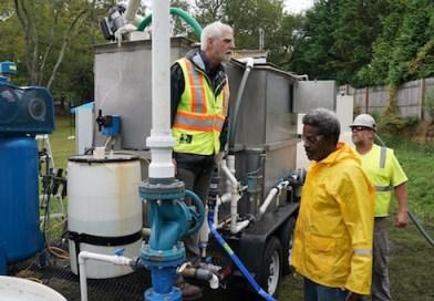 Governor Touts Lake Agawam Algae Solution