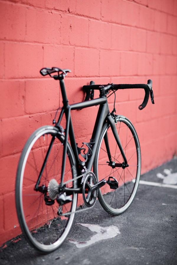 Cannondale CAAD10 Black Inc Pedal Room