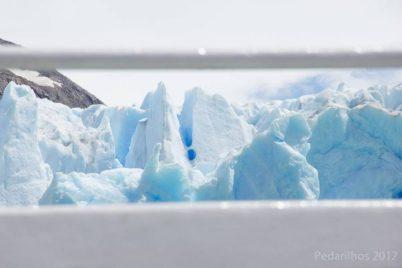 Um buiaco na paiede de gelo.