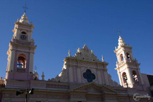 Fachada da basílica de Salta