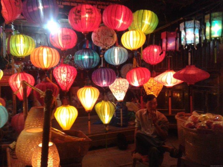 VIETNAM-Hoian noche