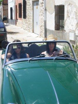 Mónica Y Laura Equiz 8