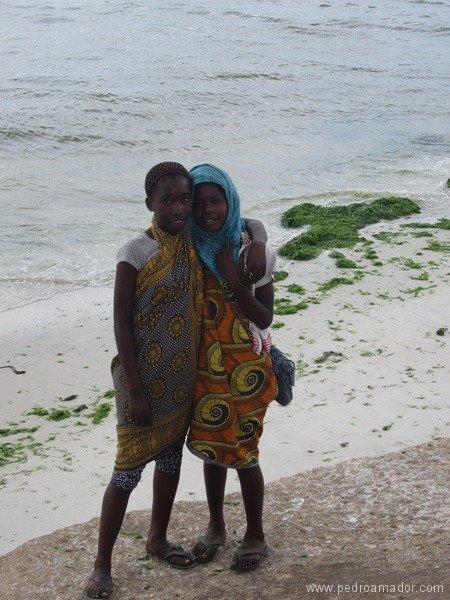 TANZANIA Dar Es Salaam niñas resize